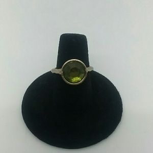 💍Size 7 Brass-Tone Green Gemstone Ring